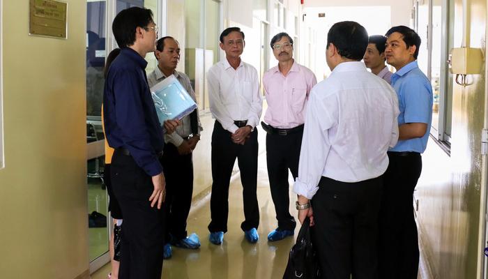 Thứ trưởng Bộ Nông nghiệp và PTNT Hà Công Tuấn thăm và làm việc tại Chi cục Thú y vùng VI