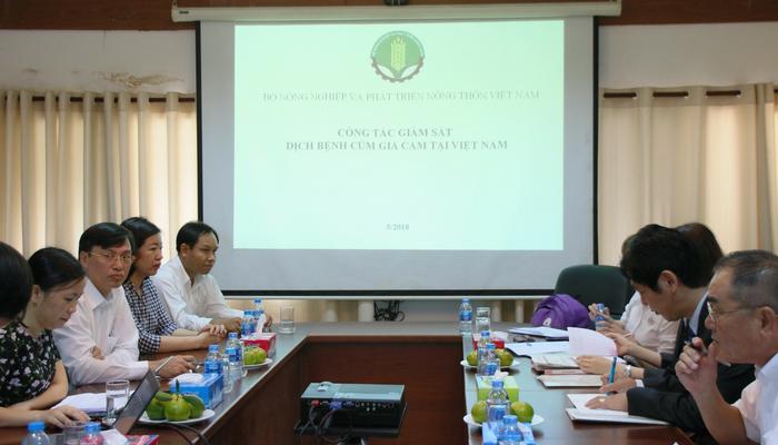 """Hội đàm với chuyên gia Nhật Bản về """"Công tác giám sát dịch bênh cúm gia cầm tại Việt Nam"""""""